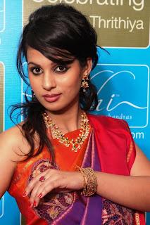 SakhiFashions - Indian Designer Sarees Online Shopping