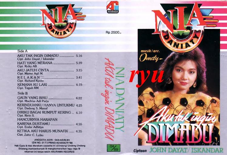 Nia daniaty ( album tak ingin dimadu )
