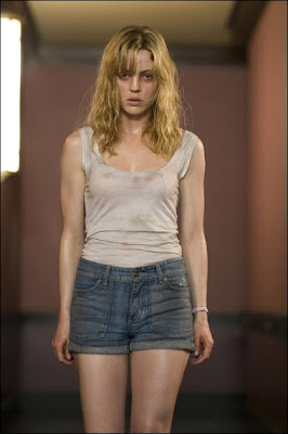 Melissa George, having a really bad day