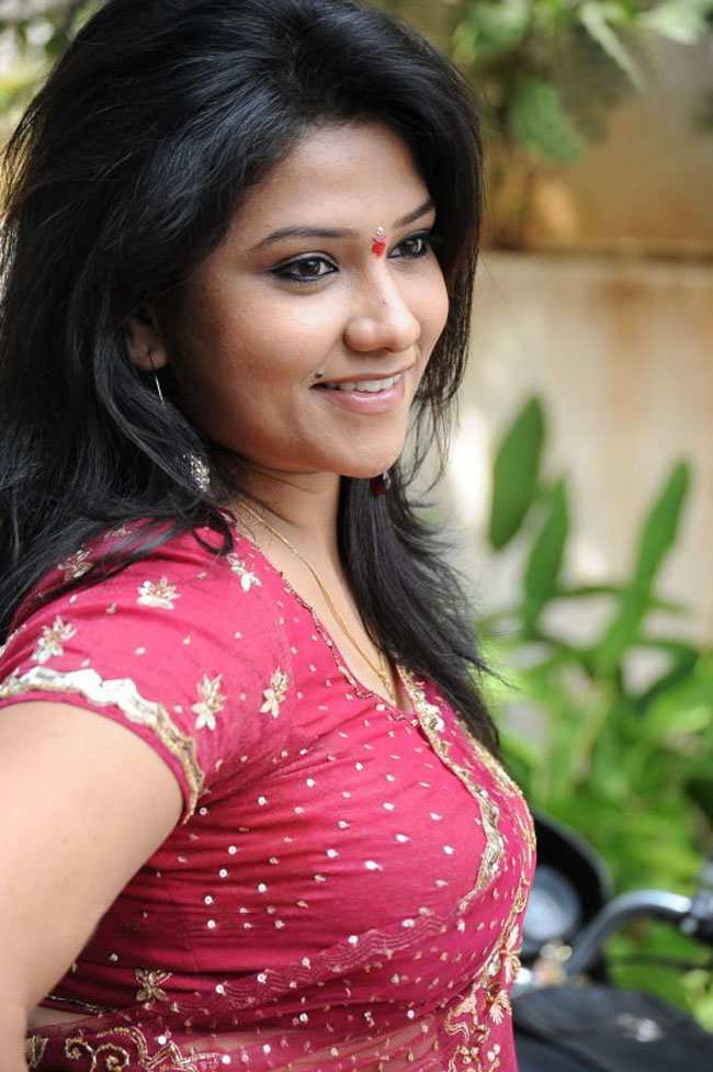 Sexy indian actress jyothi photos in saree telugu actress jyothi