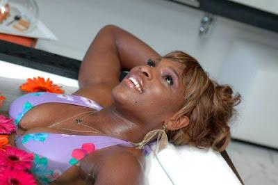 Serena, bathtub