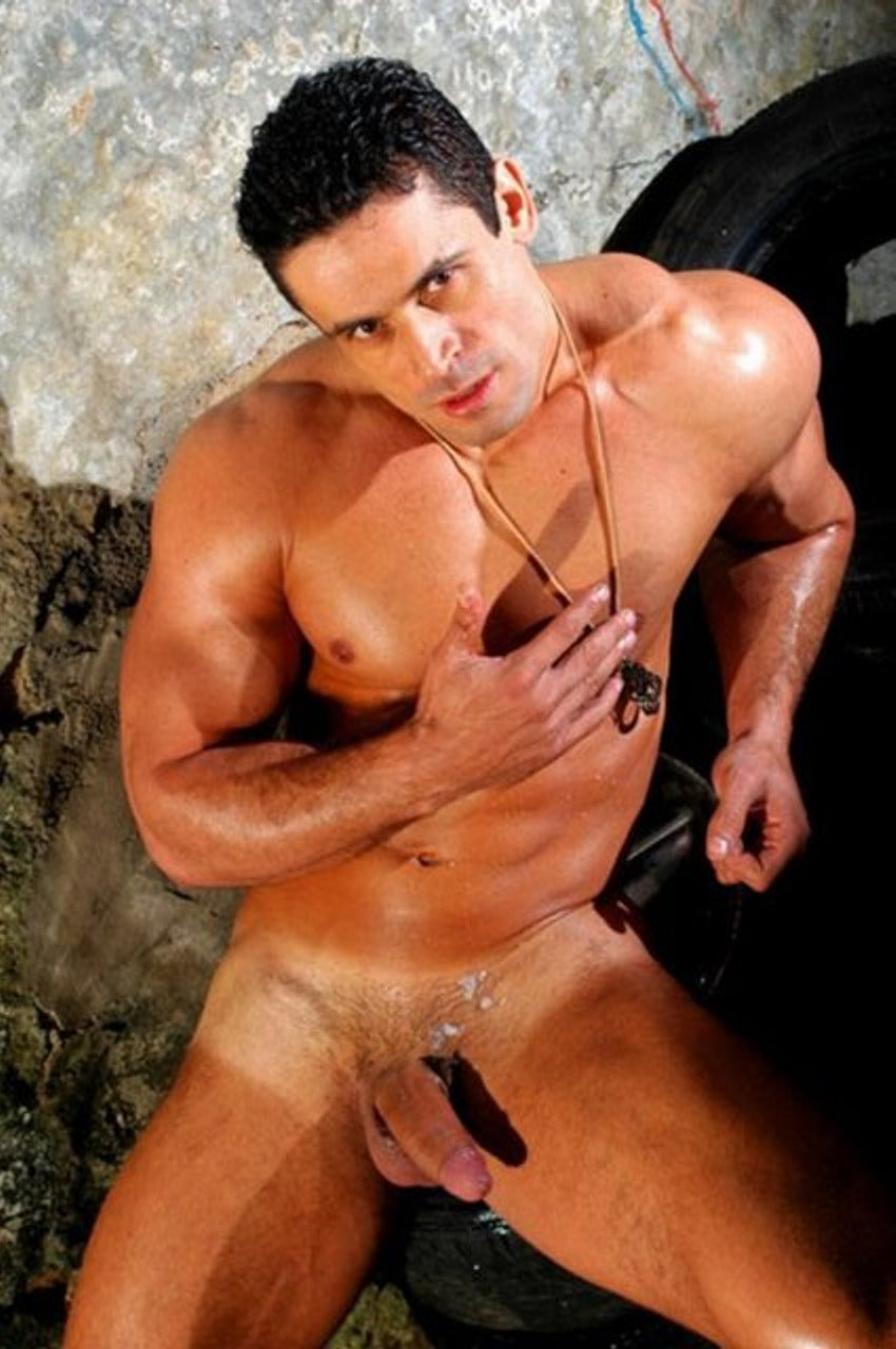 gay muscle men free movies