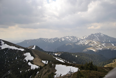 Masivul Ciucas in dreapta