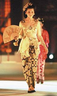 baju adat kebaya jawa indonesia