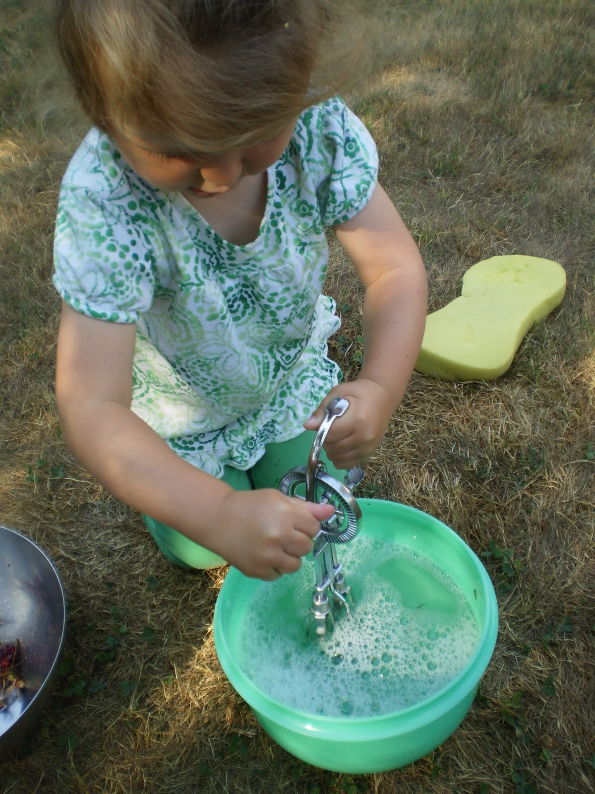 Montessori whisking water