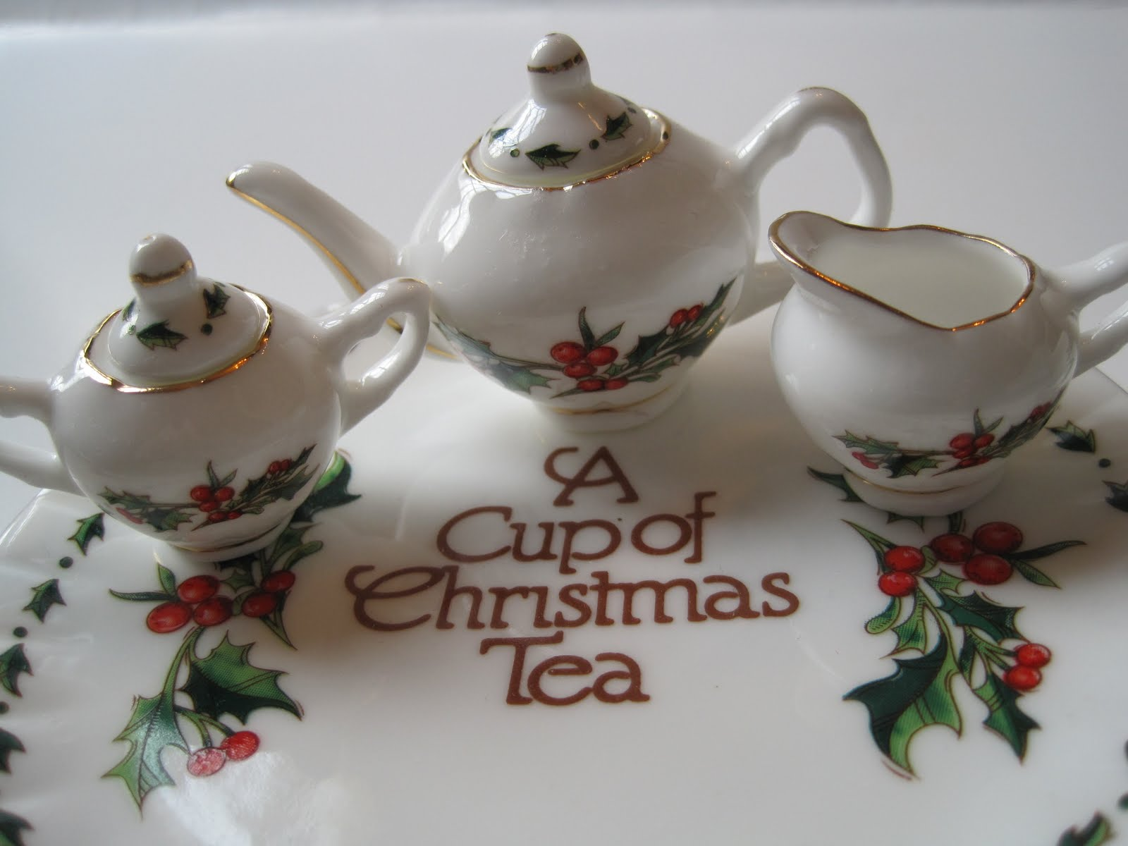 Tea With Friends: A tiny Christmas tea set