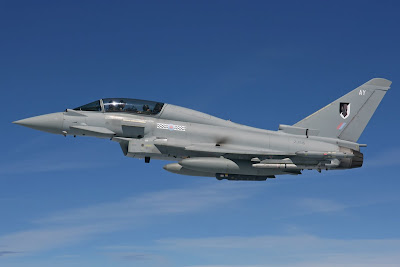 http://1.bp.blogspot.com/_AxCuBauiBF0/SSK0JE-ErbI/AAAAAAAABA0/6PSqRPYlS-w/s400/Eurofighter+Typhoon.jpg