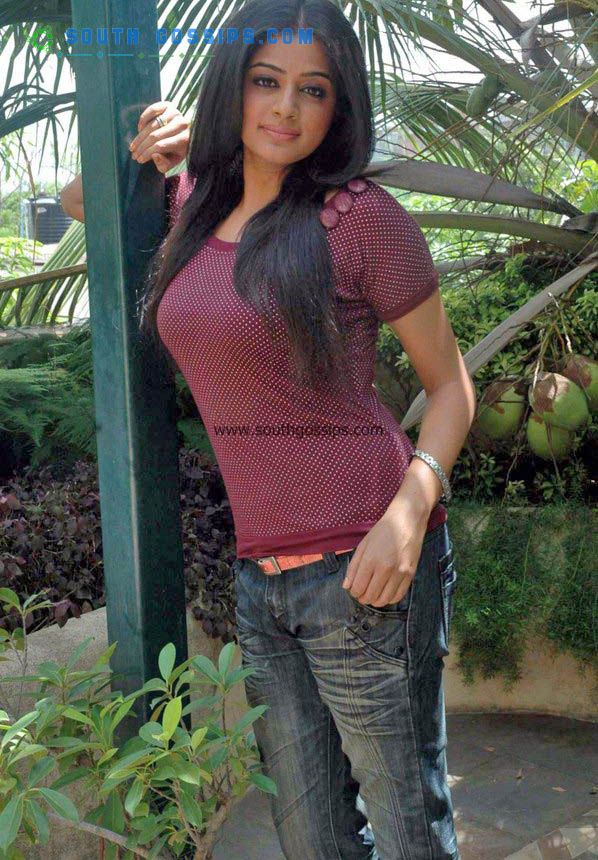 The Funtoosh Page....Have FunBath !!!: Priyamani Hot ...