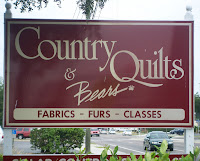 Country Quilts 'n Bears shop sign