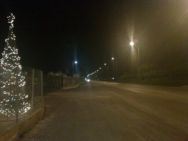 Άναψαν τα φώτα της νότιας εισόδου της πόλης
