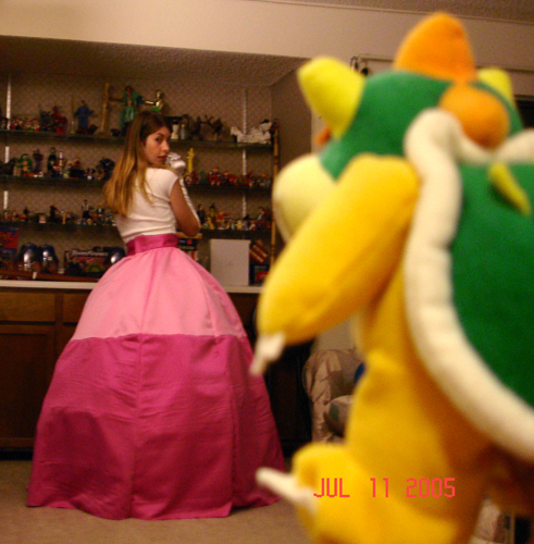 princess peach and daisy costume. funny princess peach pictures.