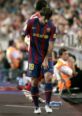 2011,تواقيع ماكسويل,أجمل 2011 barcelona sporting maxwell injured.jpg