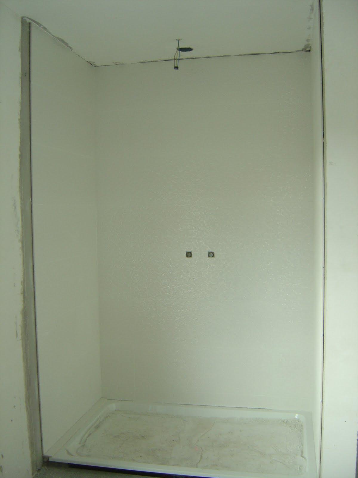 Faience Plaatsen Keuken : En hieronder de tegels die in het toilet hangen.