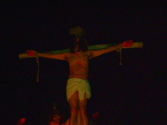 in croce