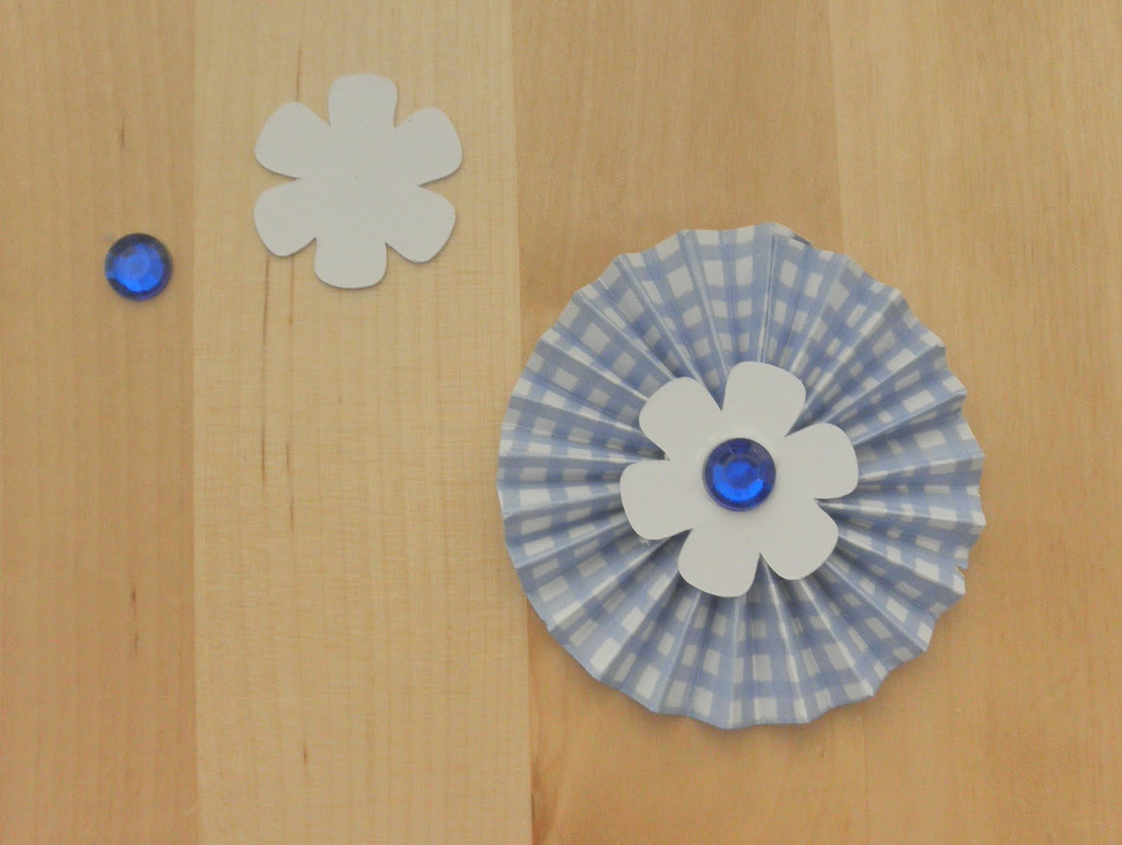 Judy 39 s handmade creations paper rosettes cards for Handmade paper creations