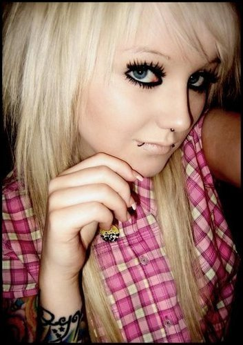 0bd45 emo hairstyles 10 Pink Emo Hairstyles for Girls
