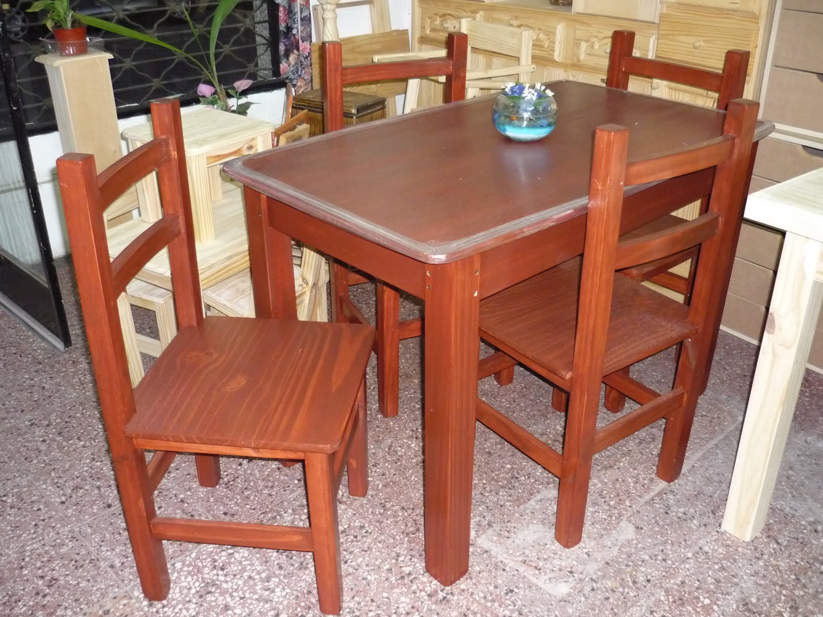 HyA - MUEBLES DE PINO: Muebles teñidos