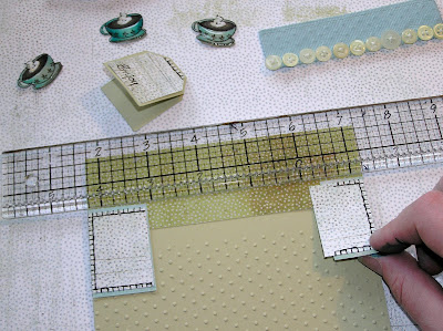 score board Tim+Holtz+ruler+to+get+bits+even