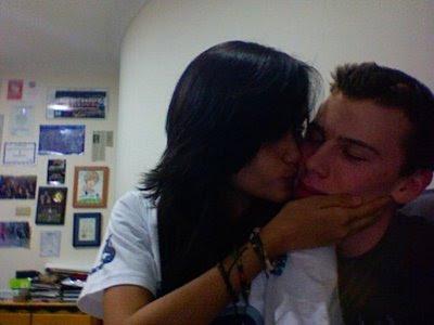 Cinta laura Ciuman