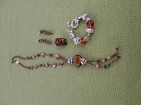 exposición-de-joyas-y-accesorios