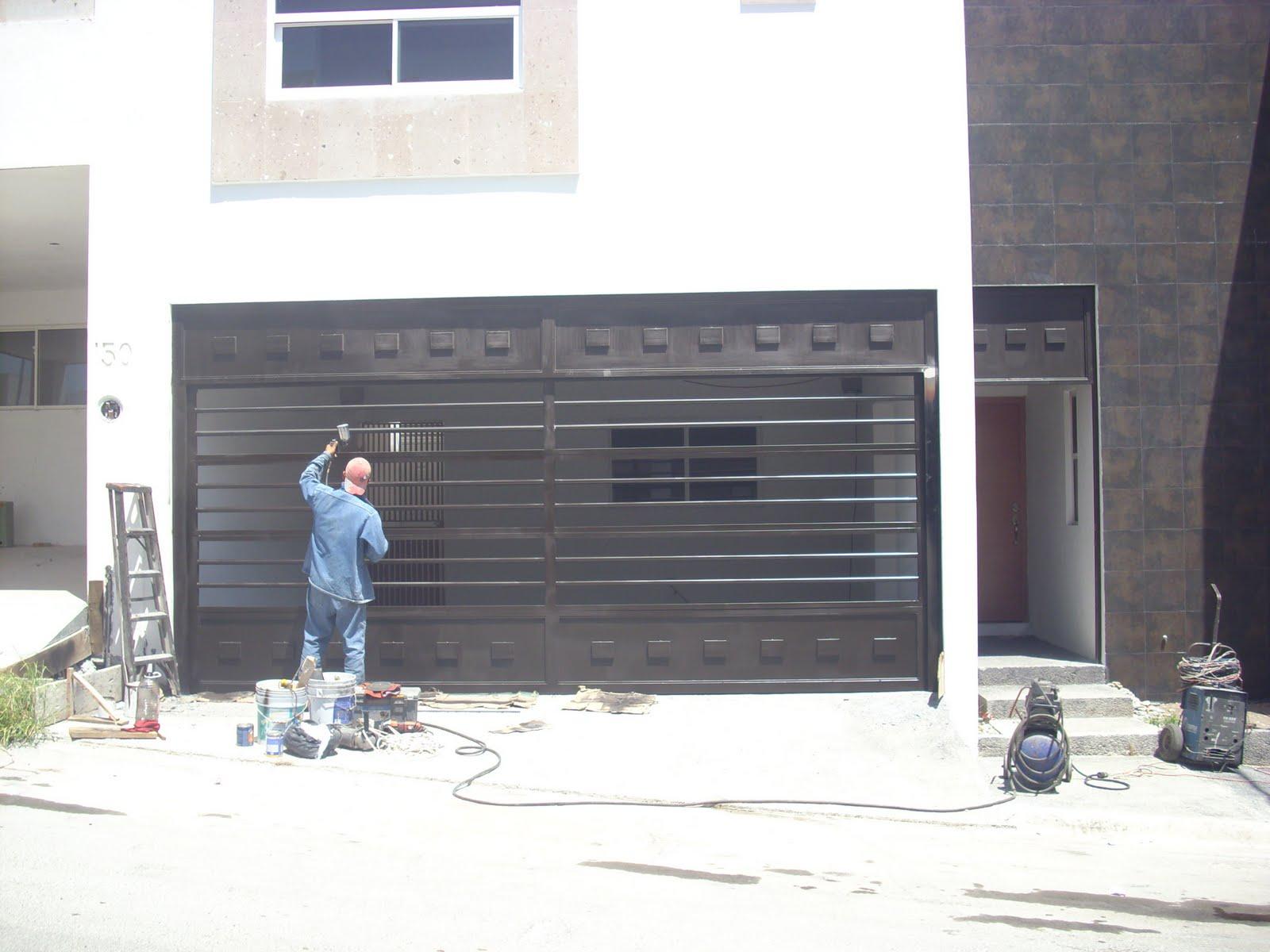 Puertas portones hierro rejas artisticos eeq pictures - Rejas de hierro forjado ...