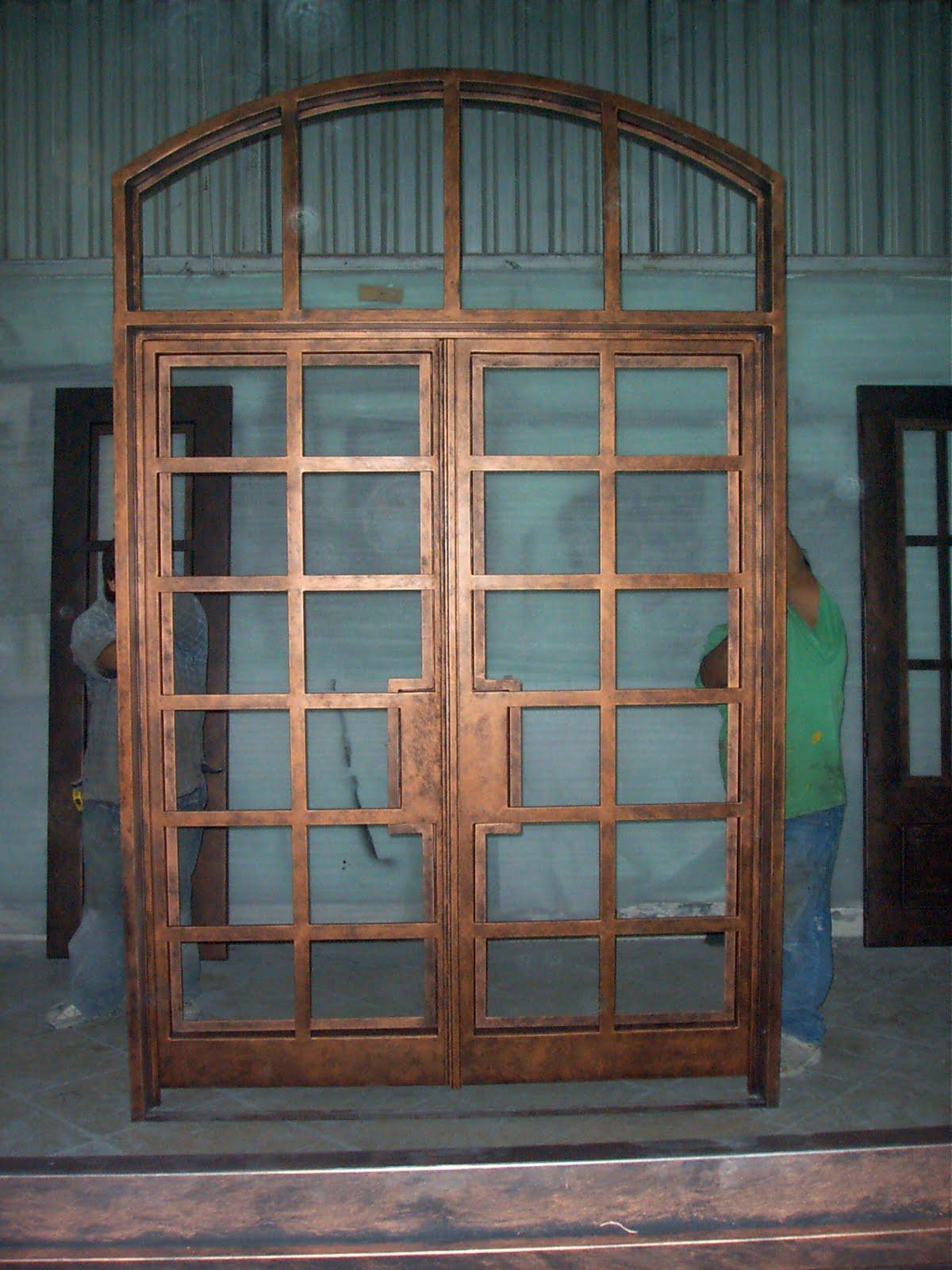 Puertas+de+hierro+de+dos+hojas+y+fijo+superior,+Modelo+Cuadros.JPG