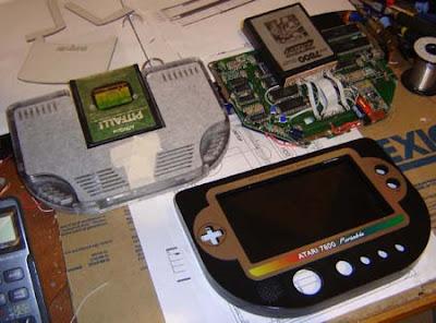 inside Atari 7800 portable ben heck