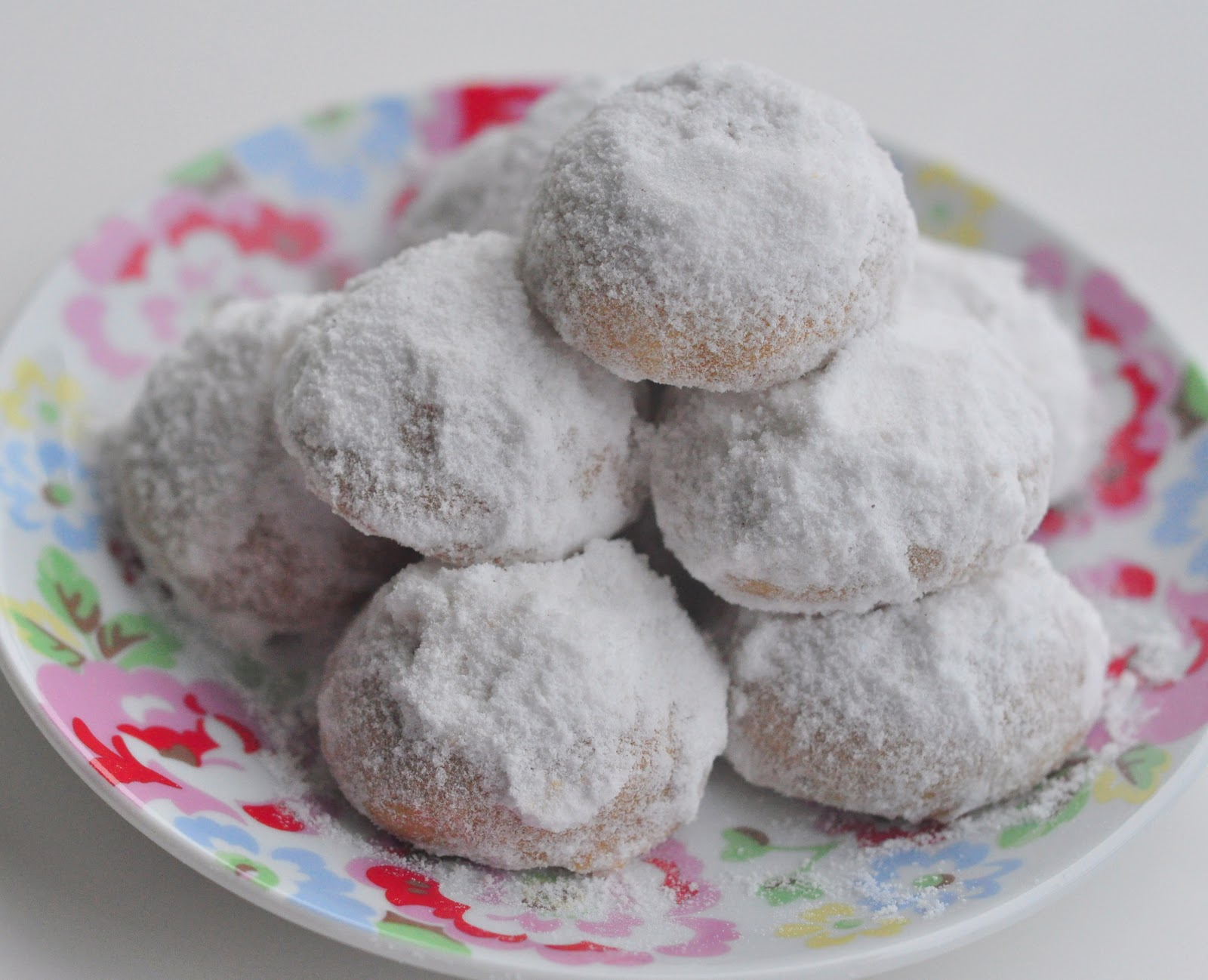 a spoonful of sugah: Almond Polvorones (aka Russian Tea ...