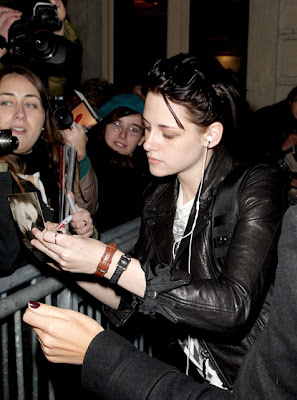 Twilight Arrives at the Crillon Hotel in Paris pics
