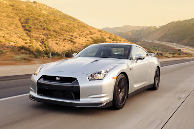 Nissan GT-R wallpapers, Nissan GT-R photos, Nissan GT-R pictures, Nissan GT-R images, Nissan GT-R