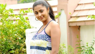 Kaniha Turns Hot in Mollywood wallpapers