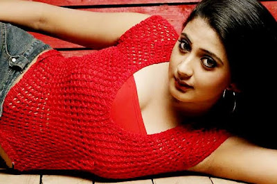 Kaniha Turns Hot in Mollywood wallpaper