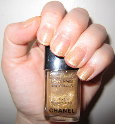 Chanel, Chanel Le Vernis Nail Colour, Chanel Le Vernis Nail Colour Illusion D'Or, Chanel Illusion D'Or, Chanel nail polish, Chanel Noir et Or Paris-Shanghai Collection Spring 2010, nail, nails, nail polish, polish, mani, manicure, manicure of the week, mani of the week, Chanel mani, Chanel manicure