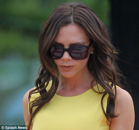 victoria beckham knees. still Victoriabeckham nov