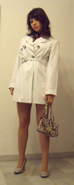 outfit_con_trench