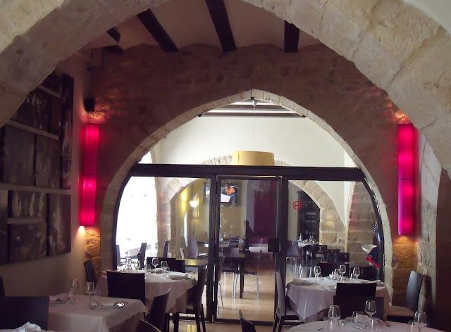 interior-del-Restaurante-Mesón-de-la-Villa-forcall