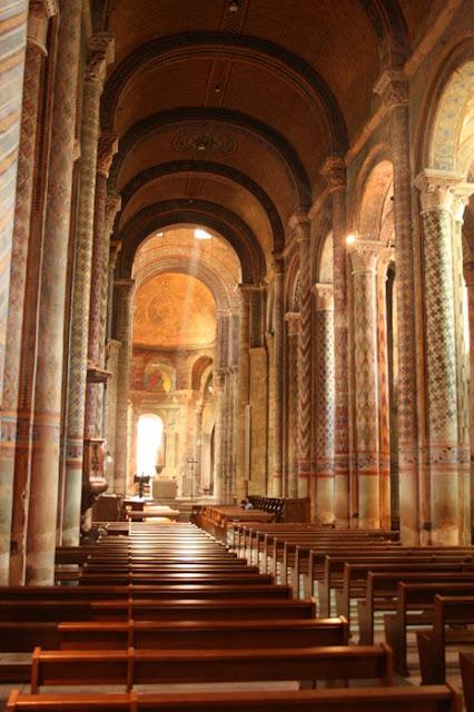 pequeña Notre-Dame-interior