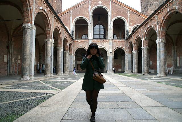 Basílica-románica-de-San-Ambrosio