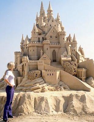Sand Sculptor Jennifer Rossen