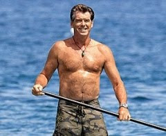 Pierce Brosnan Stand up Paddling
