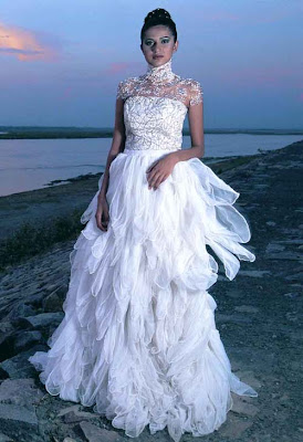 top_bridal_dress_on_fish_style