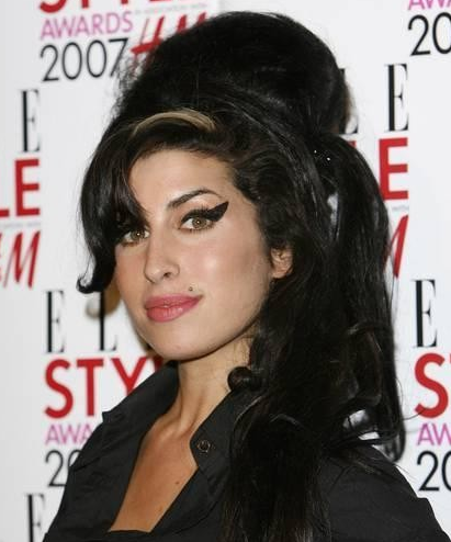 Amy Winehouse - Valerie ~ LISTEN TO REAL MUSIC!  Amy Winehouse