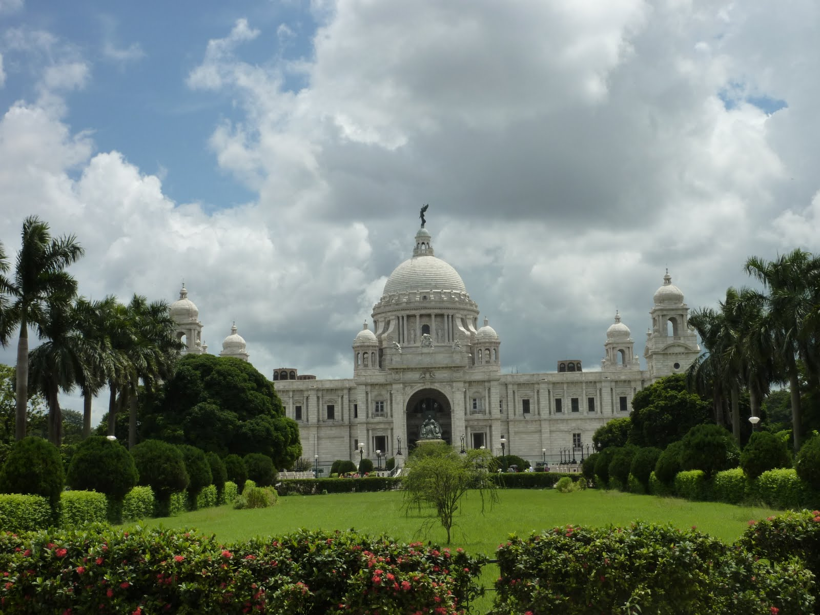 dating place at kolkata Kolkata, once known as calcutta, was the british imperial capital of india of magnificent decaying buildings dating back to the british occupation have the best place to start your day is howrah bridge, the third-longest.