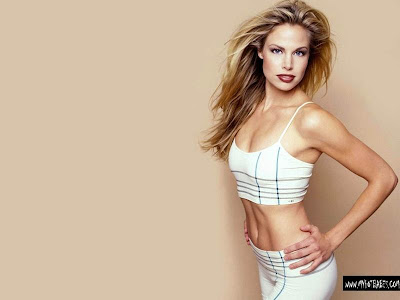 Brooke Burns, Sexy American Babe Wallpapers