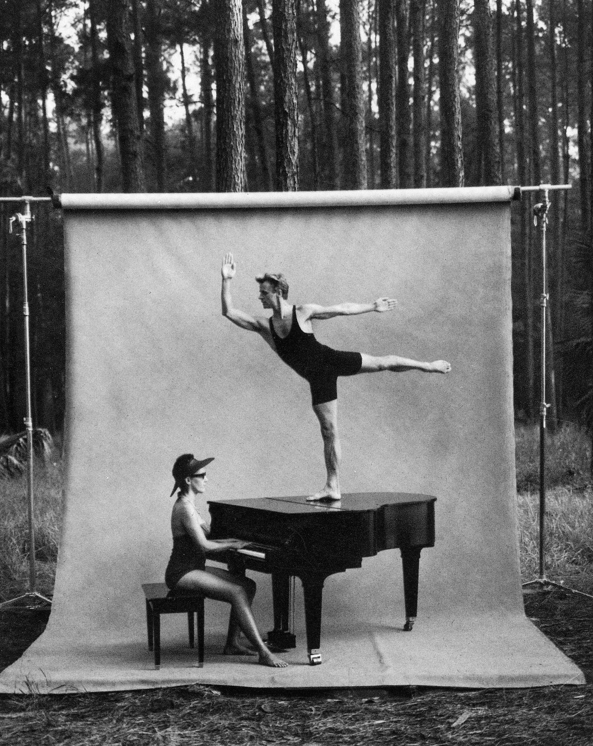 Dance pics mikhail baryshnikov by annie leibovitz for Early house music