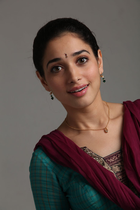 South Indian Actress Tamanna in College Girl Dress in Leggingsactress pics
