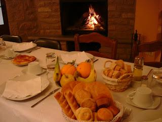 Preparando el desayuno en Caseron el Remedio