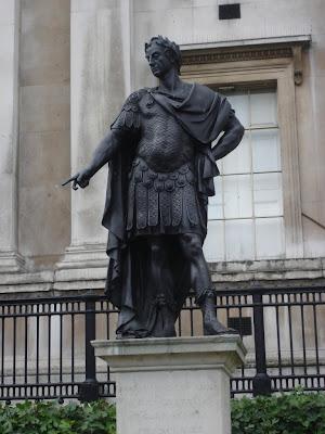 Скульптура у Национальной галереи