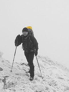 mata zimowa przy 30-to litrowym plecaku