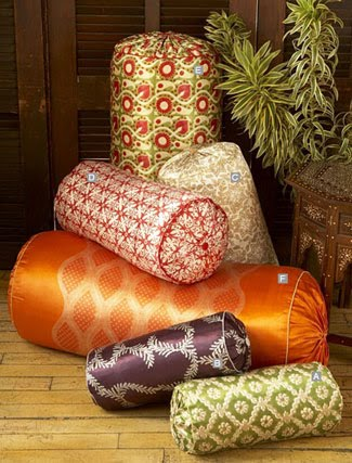 Tutorial: Bolster pillows filled with rolled towels · Sewing